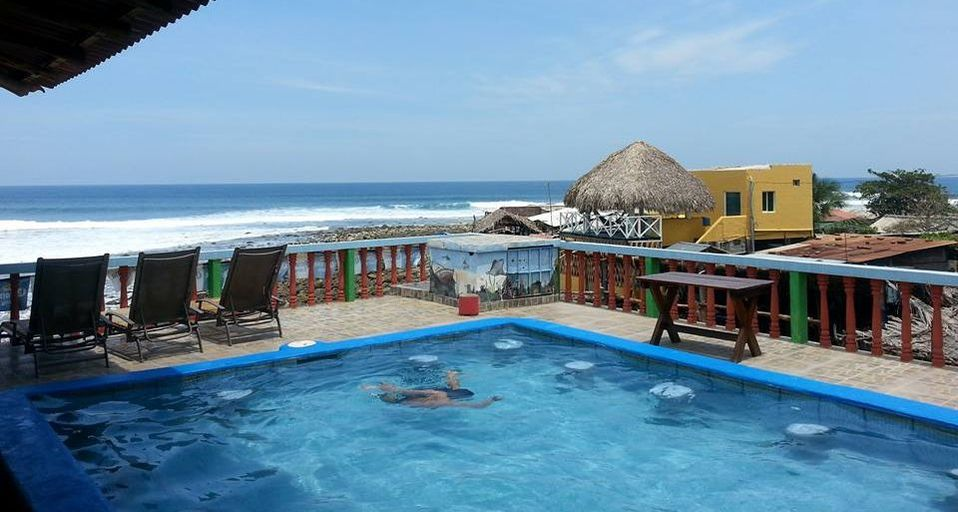 surf camp playa el zonte