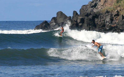surfing playa las flores
